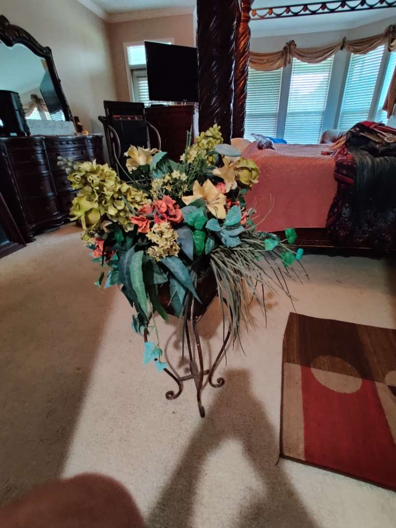 255 artificial flowers with metal stand 39 inches tall overall