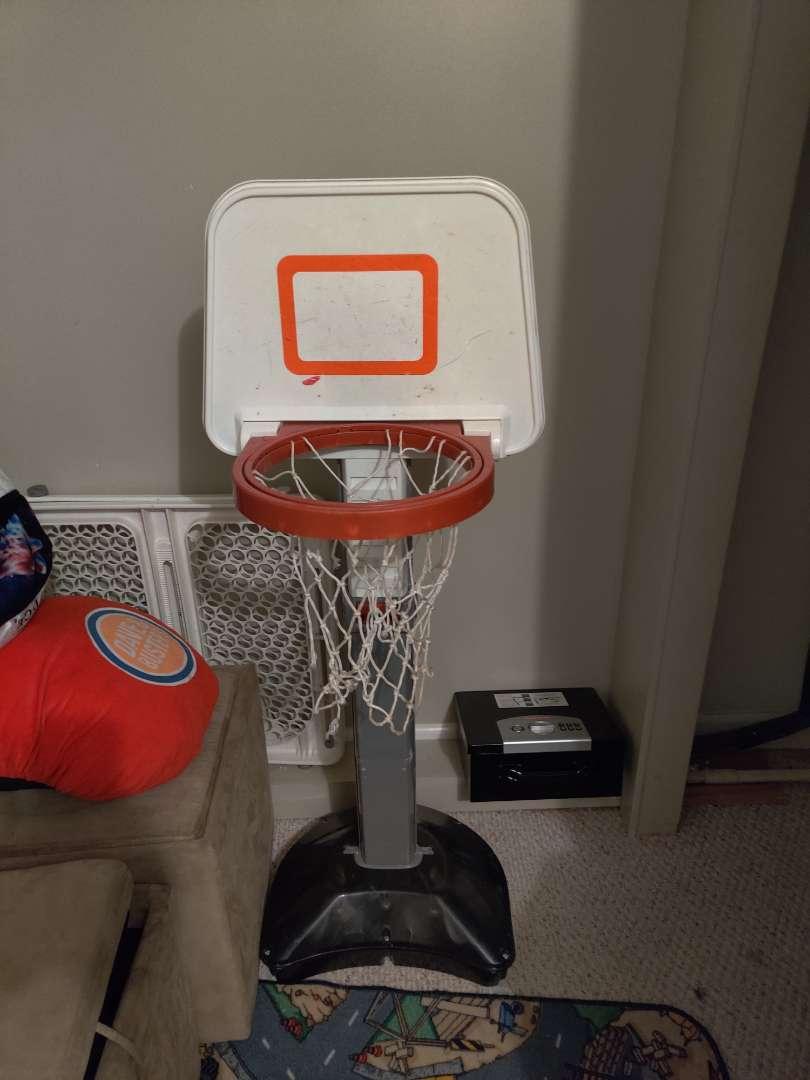 275 small basketball goal with basketball