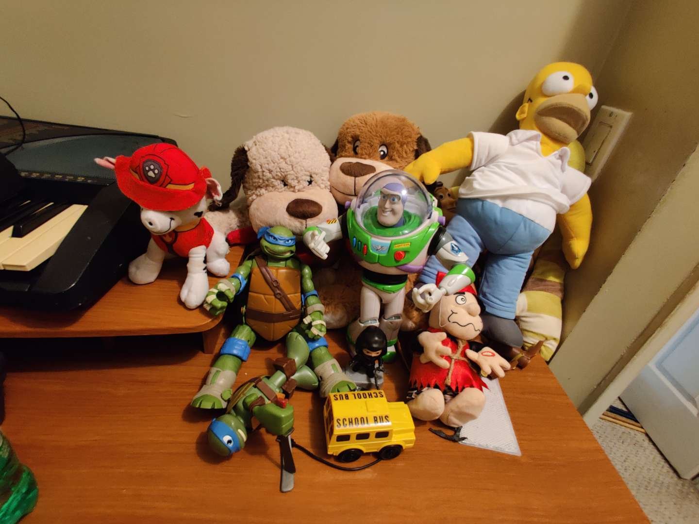 280 a lot of miscellaneous toys 279 buzz light-year and more