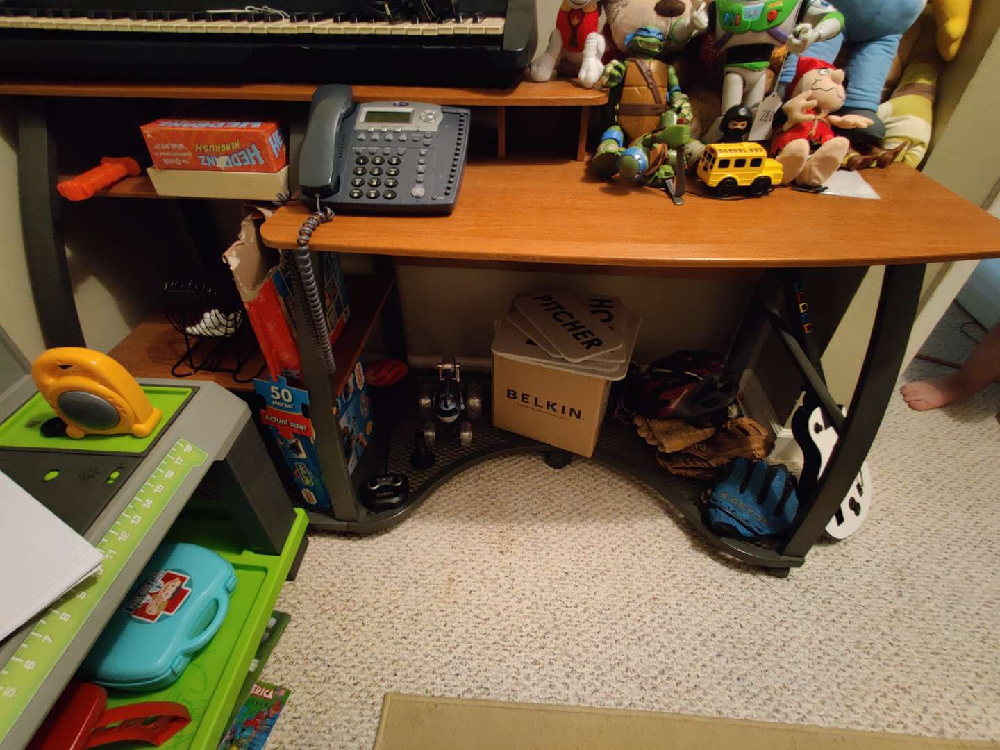 281 very nice desk only no contents
