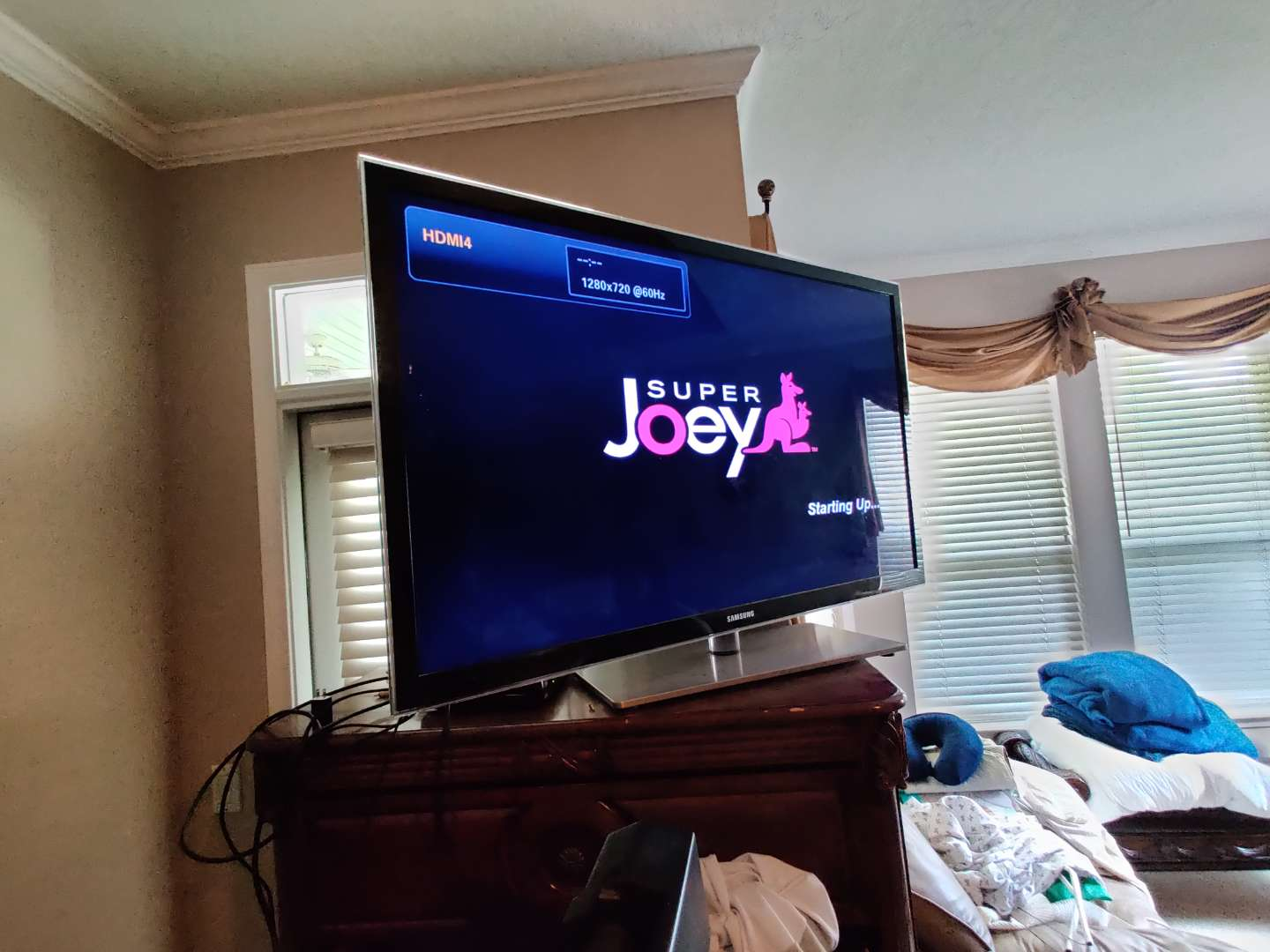 315 54-in Samsung TV with remote works great