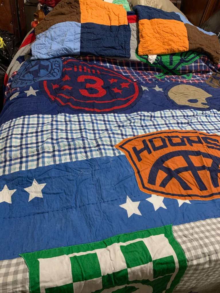 326 sports comforter and pillow shams