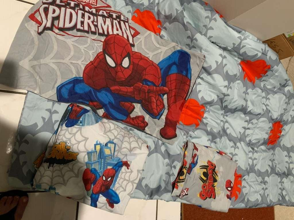 328 Spider-Man twin comforter sheets and pillow case