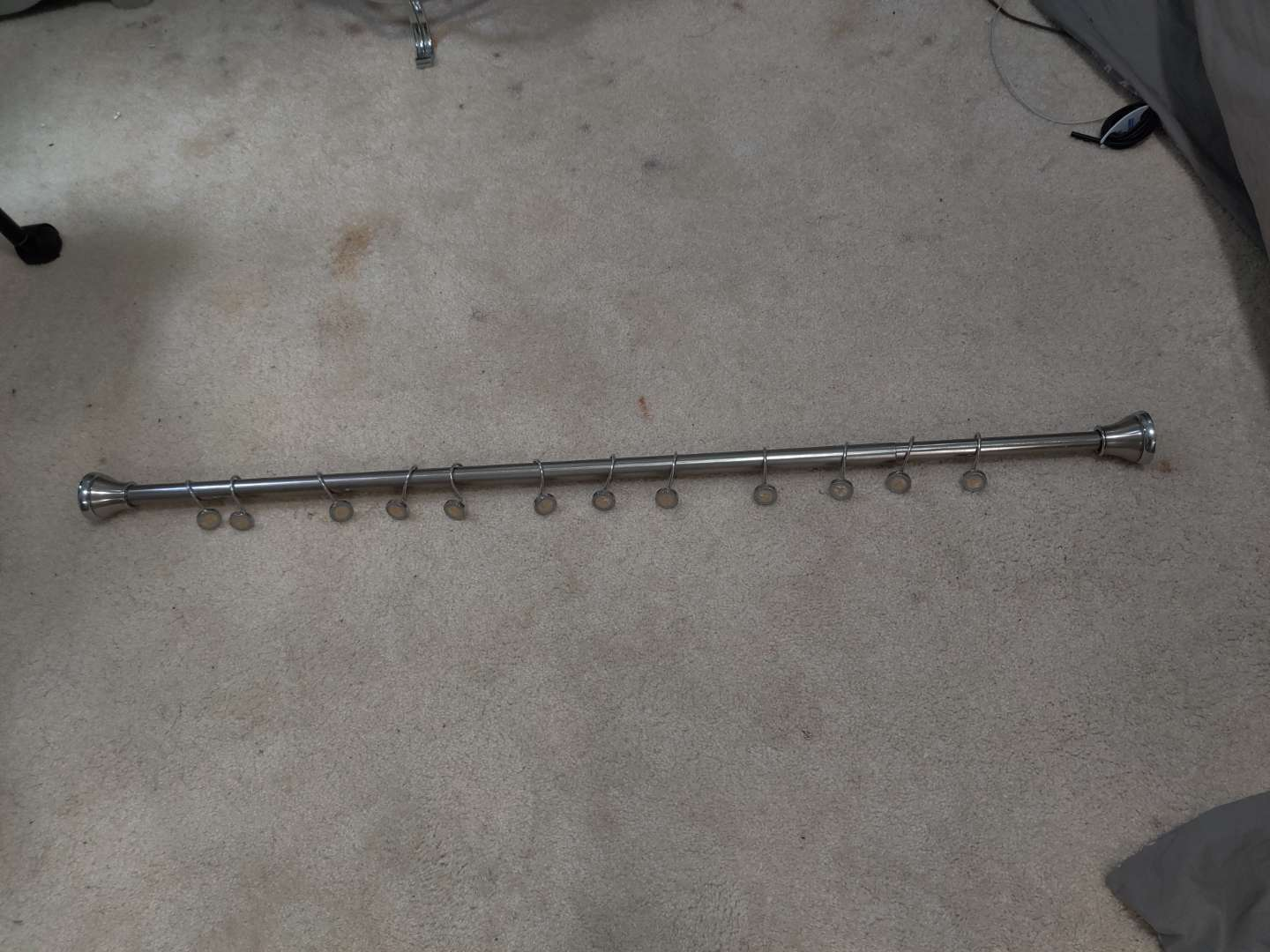 347 show er curtain rod and hooks