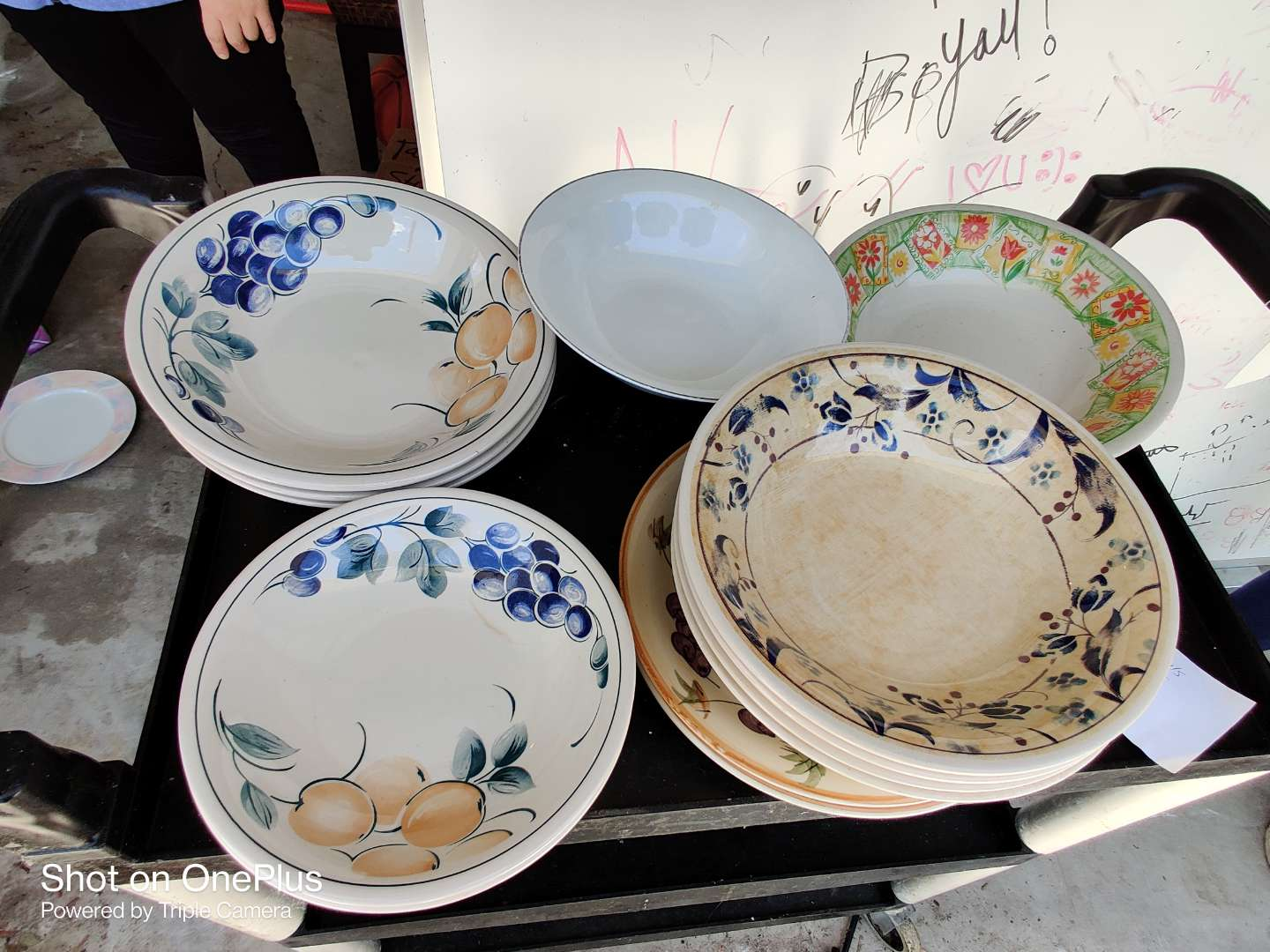 415 16 pieces of China bowls plates miscellaneous