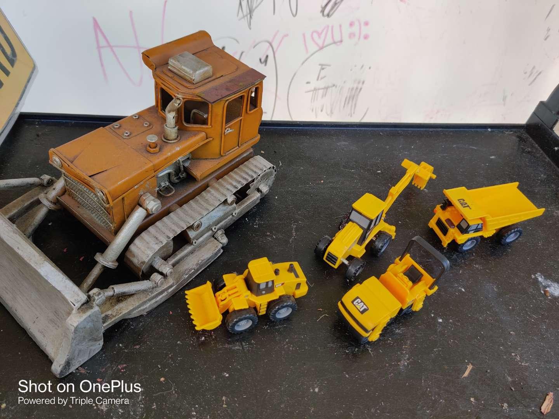 436 very nice decorator metal tractor bulldozer and some caterpillar toys