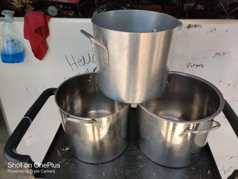 481 three big cook pots