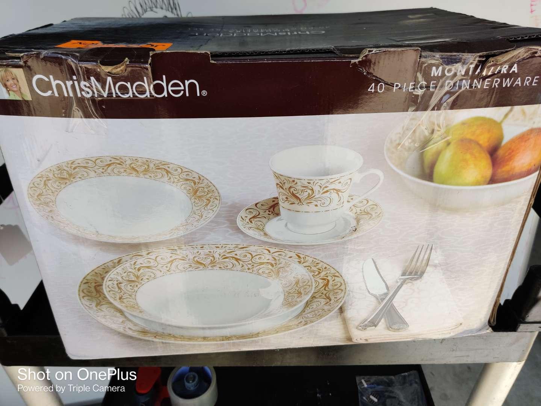491 Chris Madden montalira 40 piece china dinnerware set in box