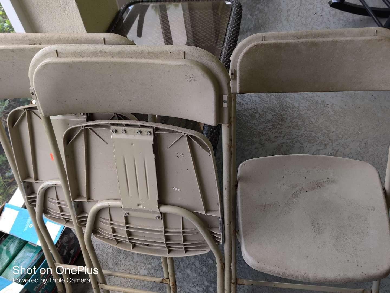 546 three metal folding chairs