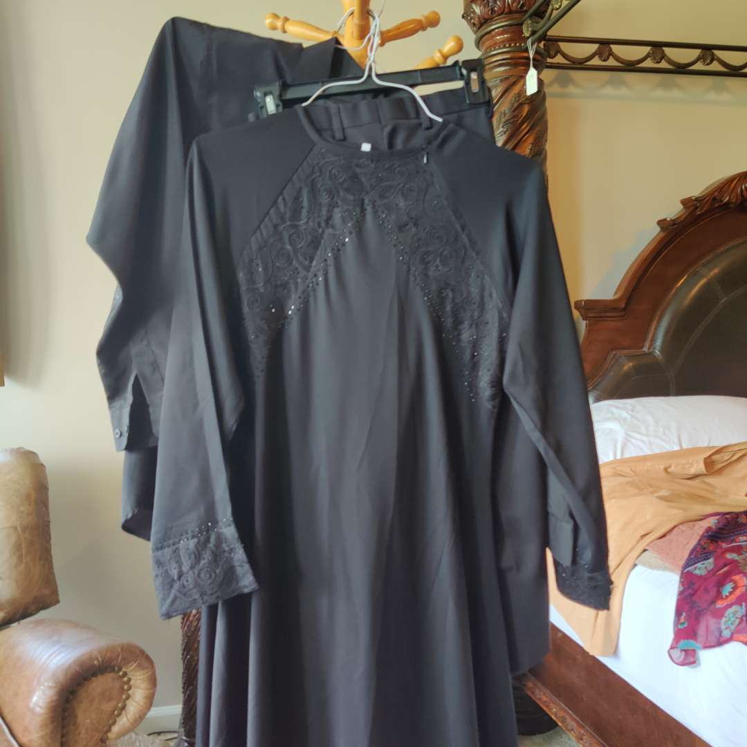 578. XL black Dress with beaded accent and flared