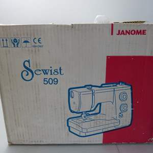 Lot # 271  Excellent in box Janome sewing machine