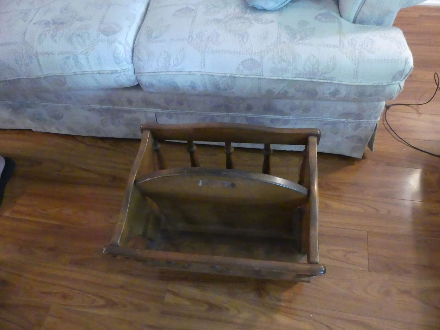 Lot #11 George B. Bent Solid Hard Rock Maple Colonial Style Magazine Rack