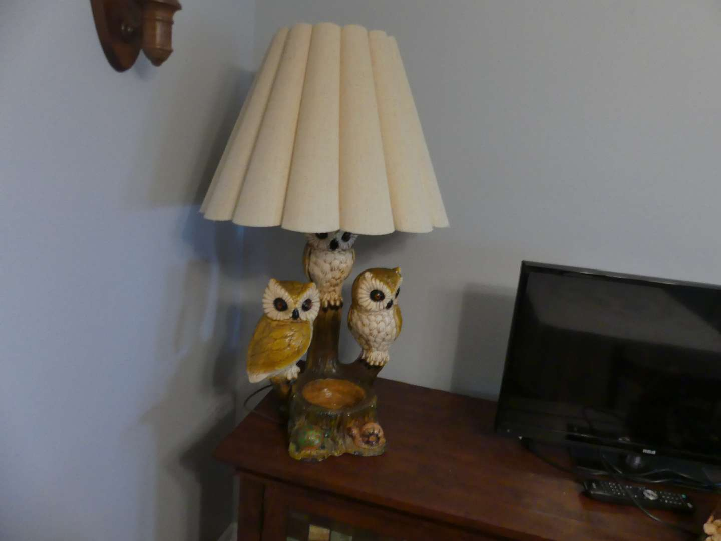 Lot #13 Vintage 50's-60's Chalkware Table Lamp/Planter with 3 Owls