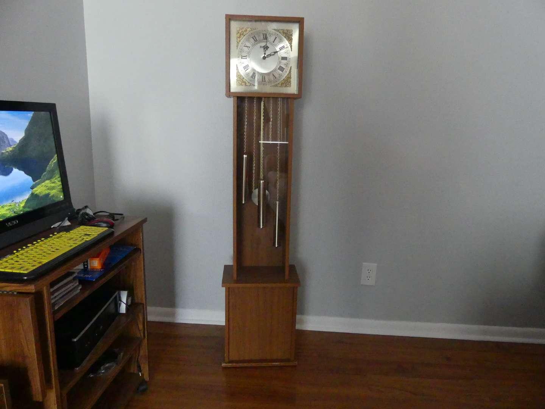 "Lot #20 Bentley Decorative ""Grandmother"" Clock"