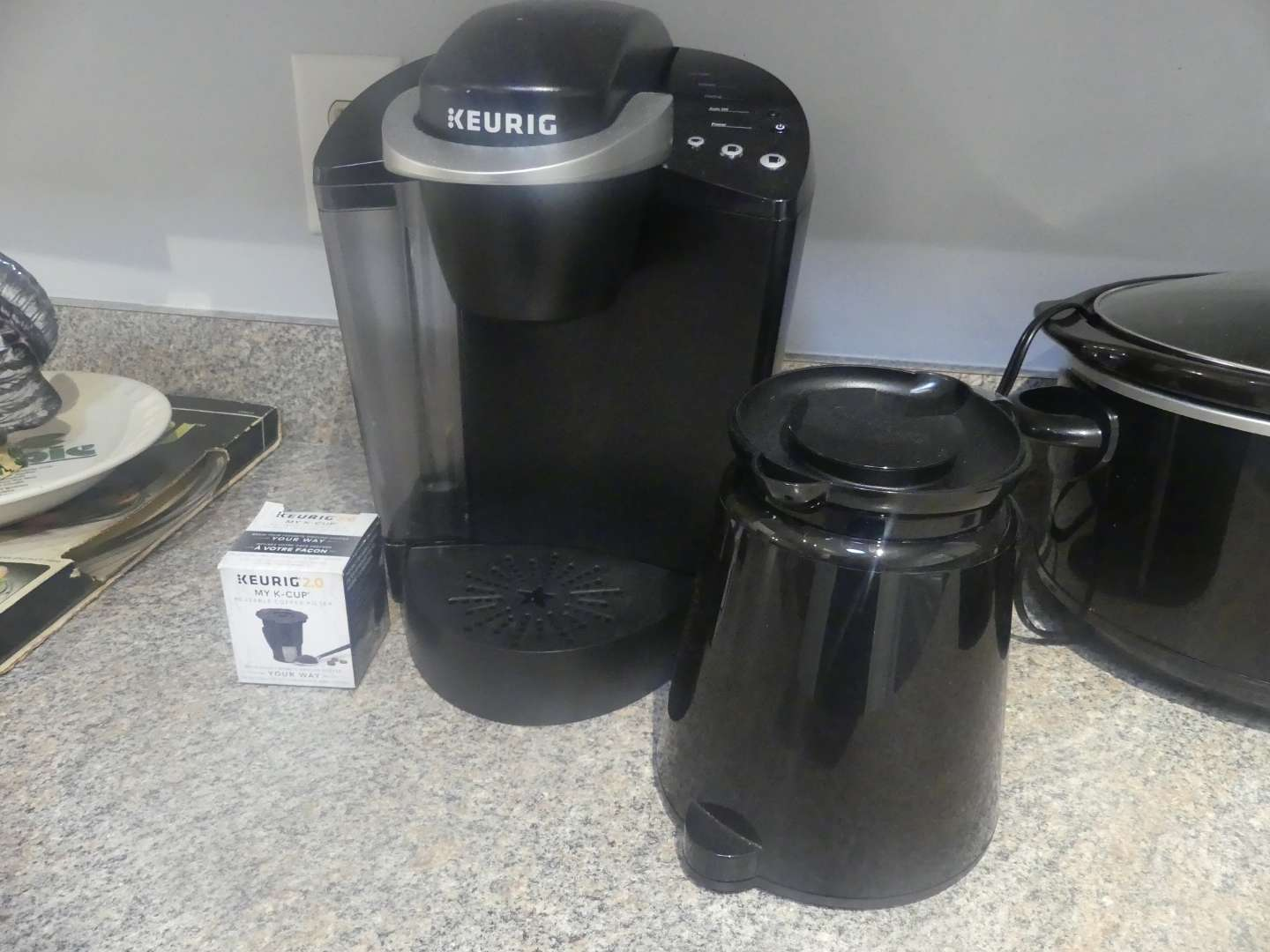 """Lot #44 Keurig Large Coffee Maker with Coffee Pot and 2.0 """"My K-Cup"""""""
