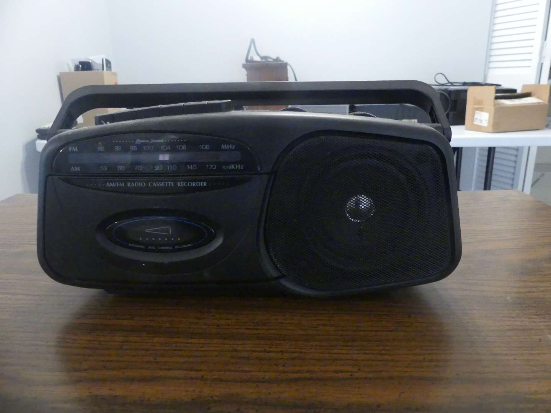 Lot #71 Lenoxx Sound CT-99 AM/FM Radio Cassette Recorder - AC 120v/4D Batteries Not Included