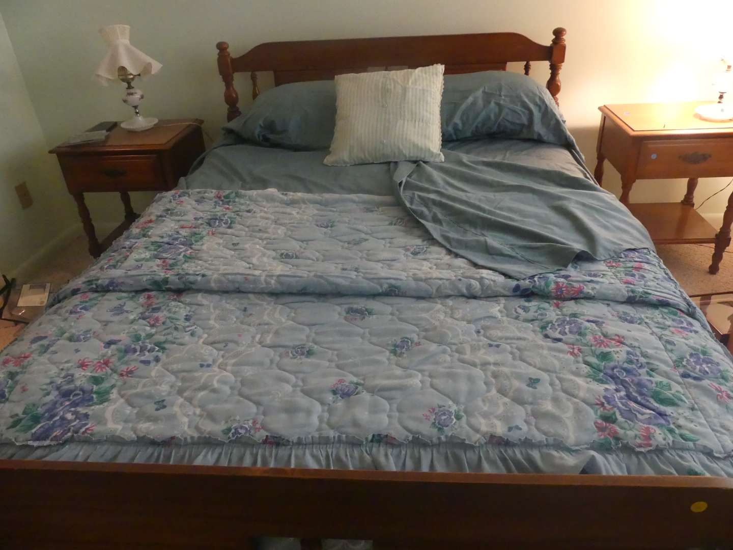Lot #89 Lot of Full Size Bed Linens - Bed Not Included