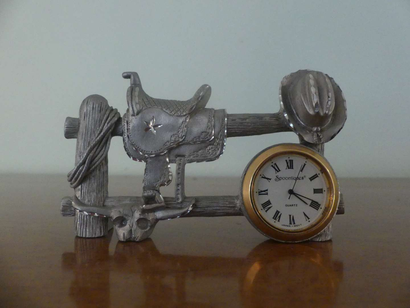 Lot #104 Spoontiques Pewter Hitching Post Novelty Clock #7131