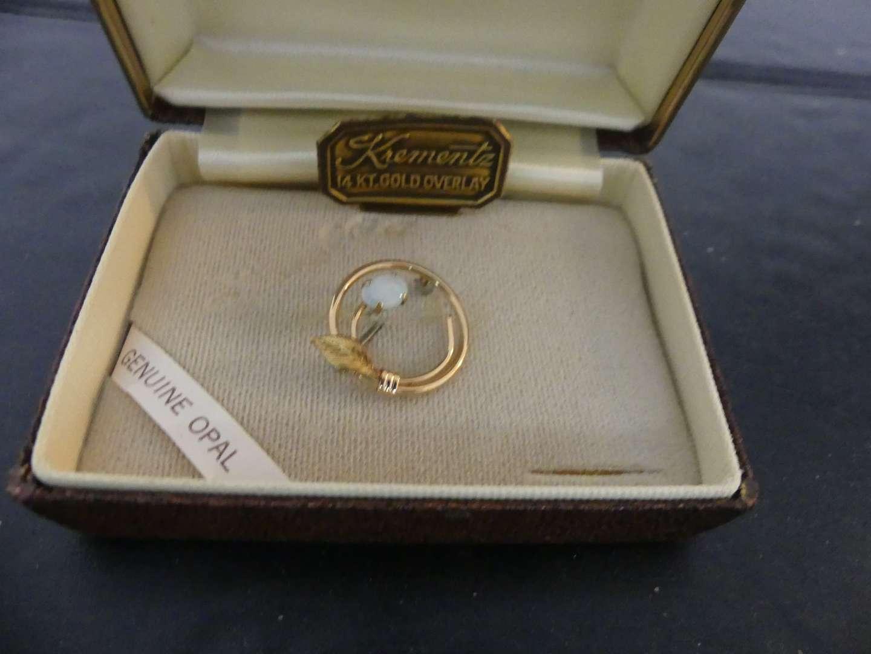 Lot #124 Vintage Krementz Jewelry Dainty Genuine Opal 14k Overlay Circle Brooch/Pin A1-7