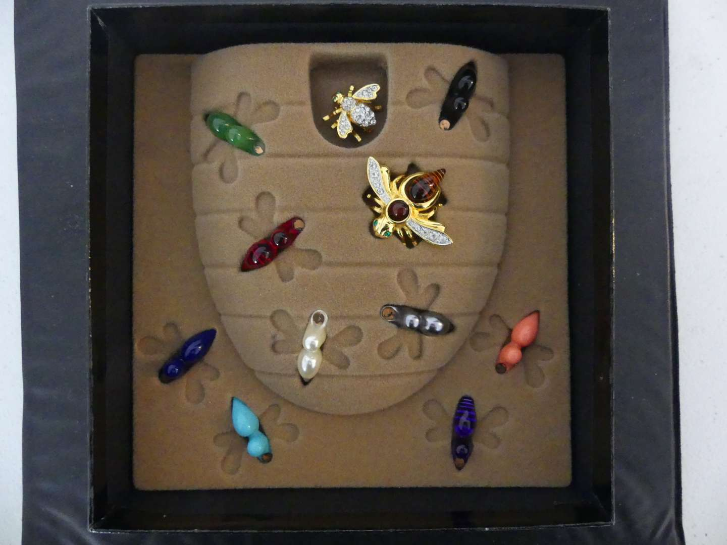 Lot #128 Vintage Joan Rivers Classics Collection Gold Tone Bee Pin with Interchangeable Colors