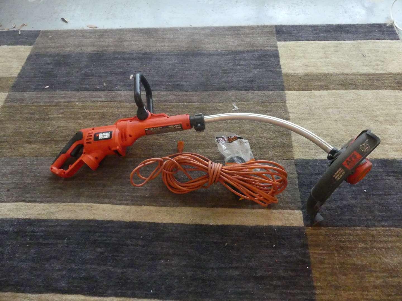 "Lot #168 Black+Decker Corded Electric 14"" Weed Wacker GH3000"