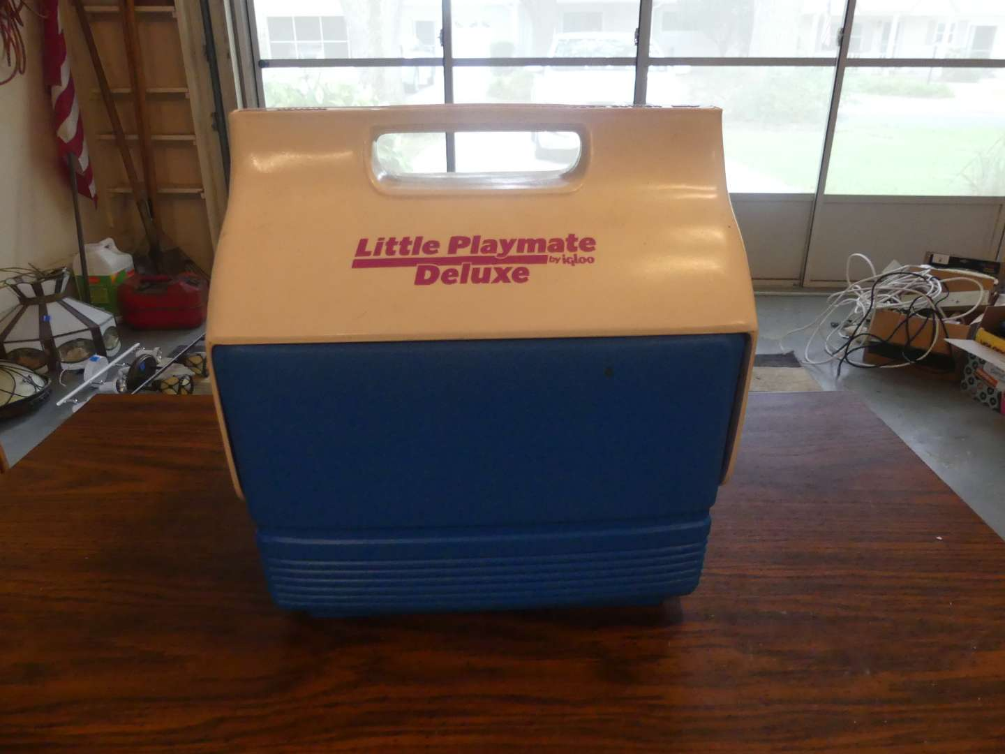 Lot #187 Igloo Little Playmate Deluxe Cooler