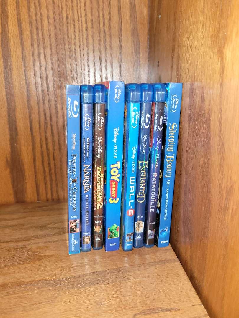 Lot # 15 (8) Disney Blu Ray
