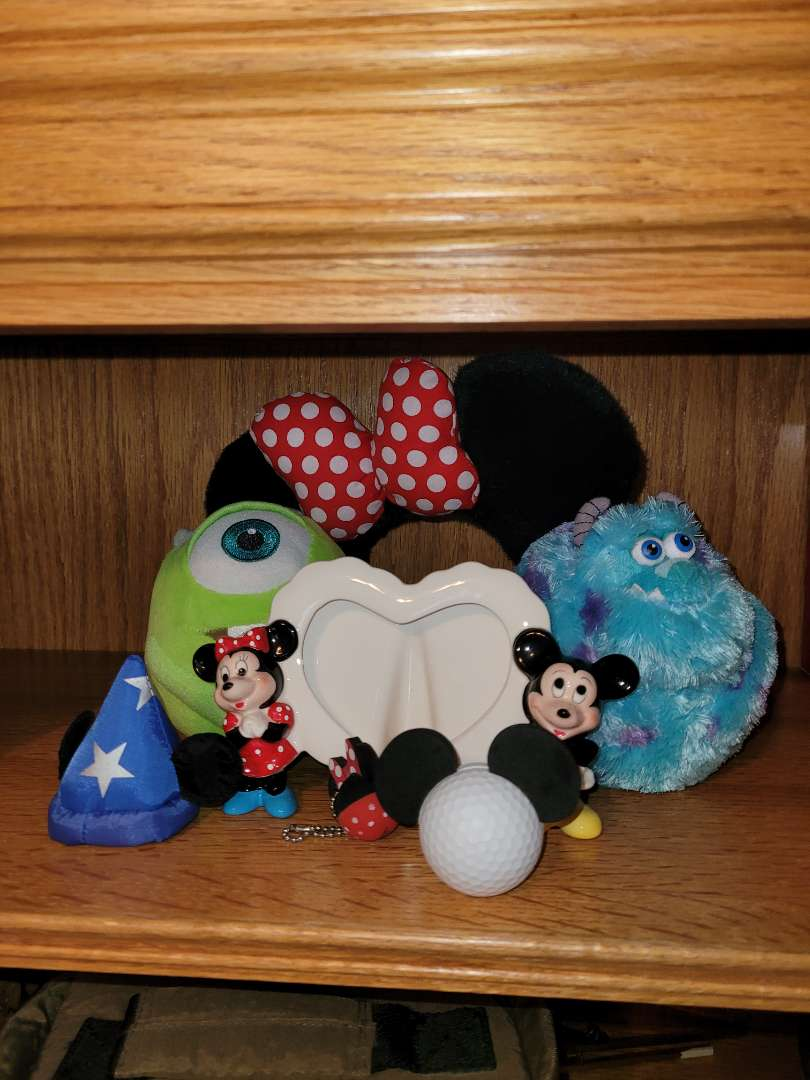 Lot # 20 Minney Ears, Mickey Frame & More