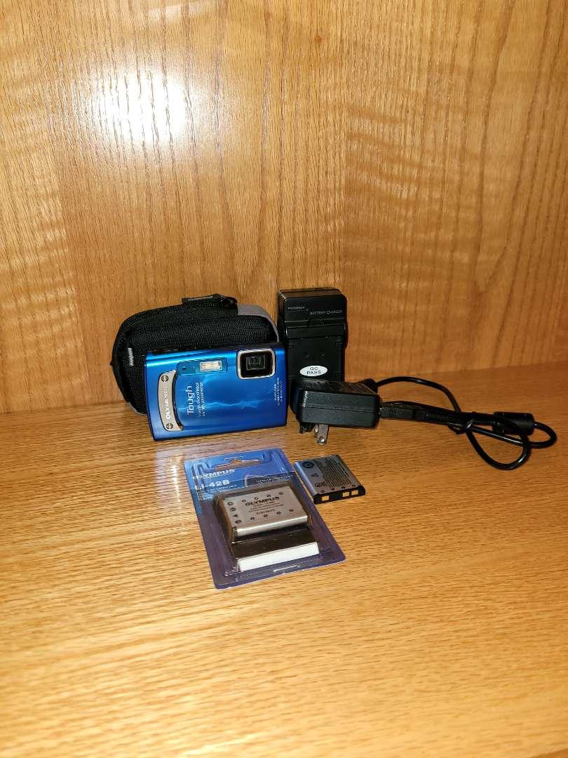 Lot # 43 Olympus Tough Digital Camera w/ Rechargable Batteries & Case