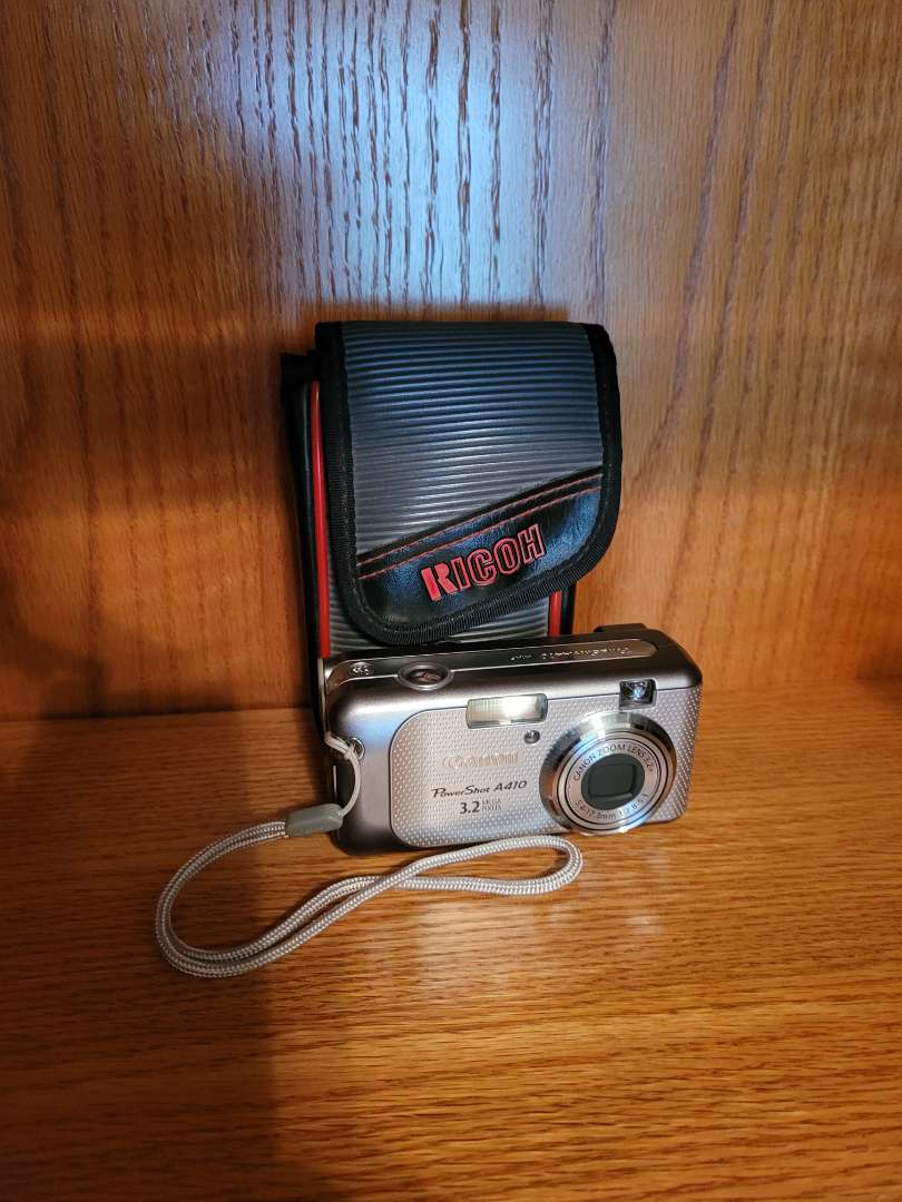 Lot # 44 Canon Power Shot A410 w/ Case