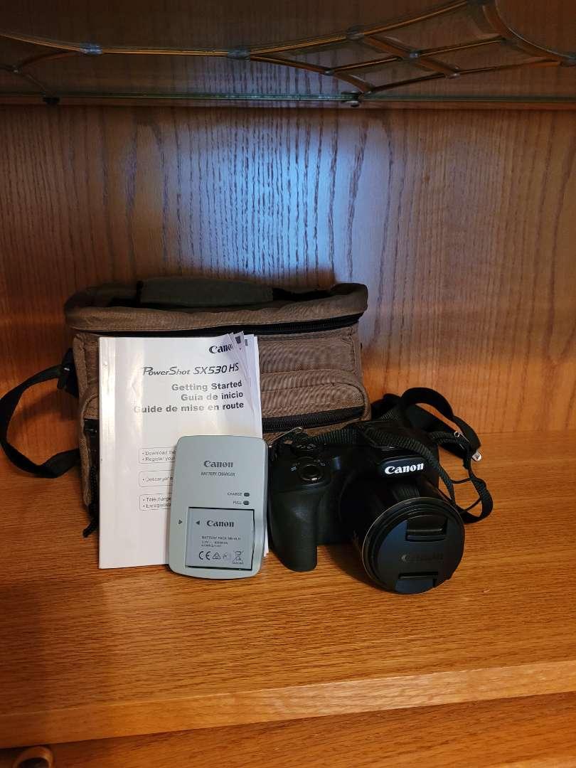 Lot # 46 Canon Power Shot SX530 HS - WiFi Capable w/ Case