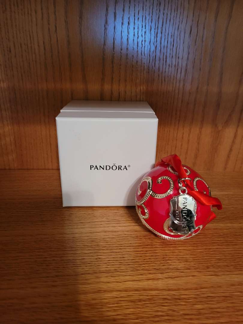 Lot # 68 Sterling Silver 2017 Limited Edition Red Rockettes Gift Set - Ornament & Charm