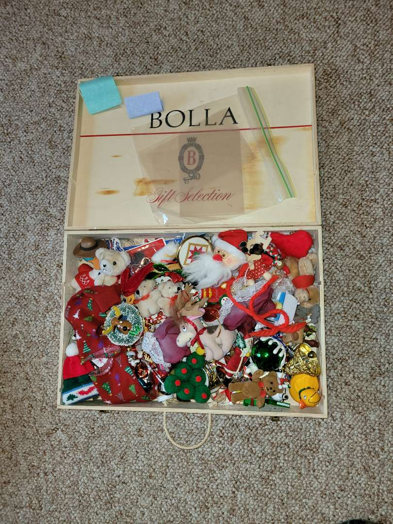 Lot # 71 Assorted Christmas Ornaments
