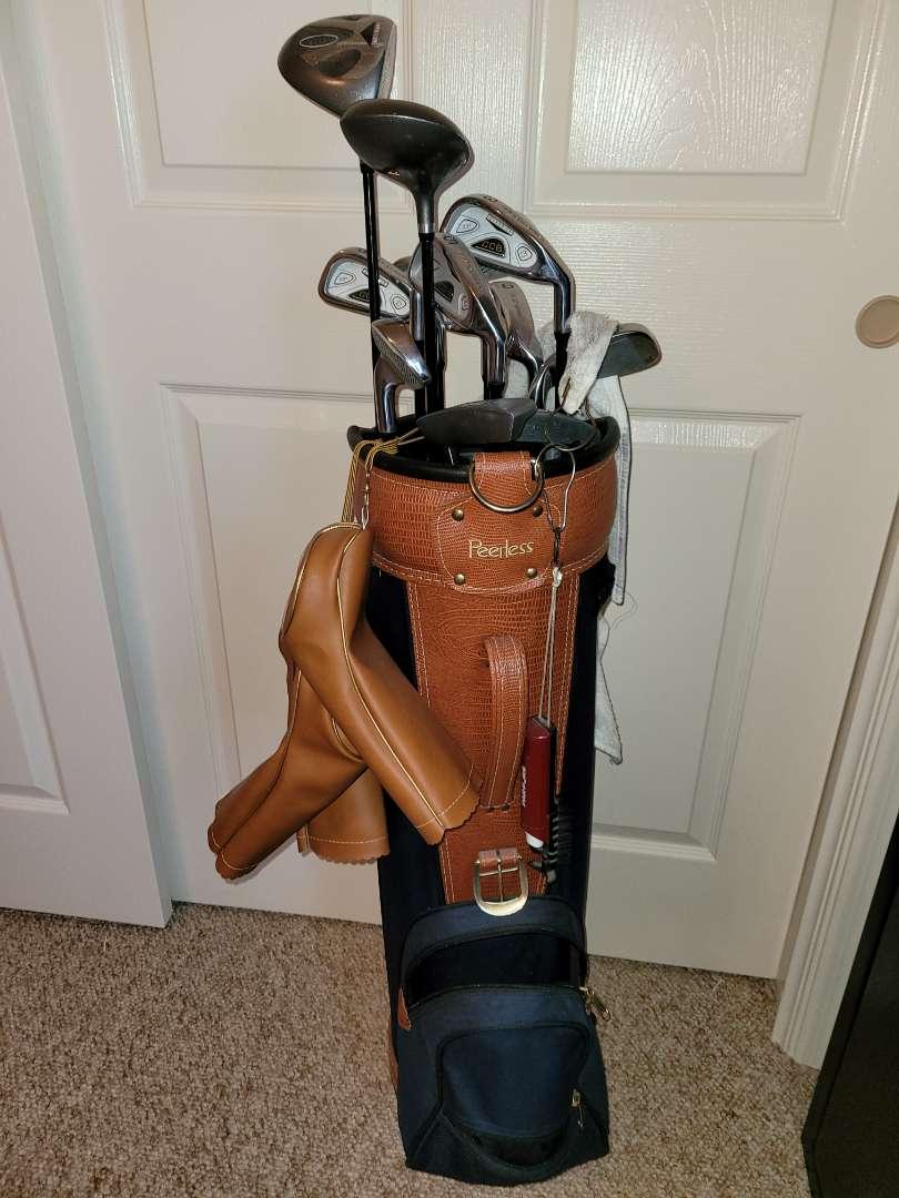 Lot # 74 Peerless Golf Bag & Clubs