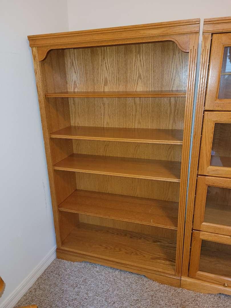 Lot # 83 Nice 5'x3' Wood Bookshelf