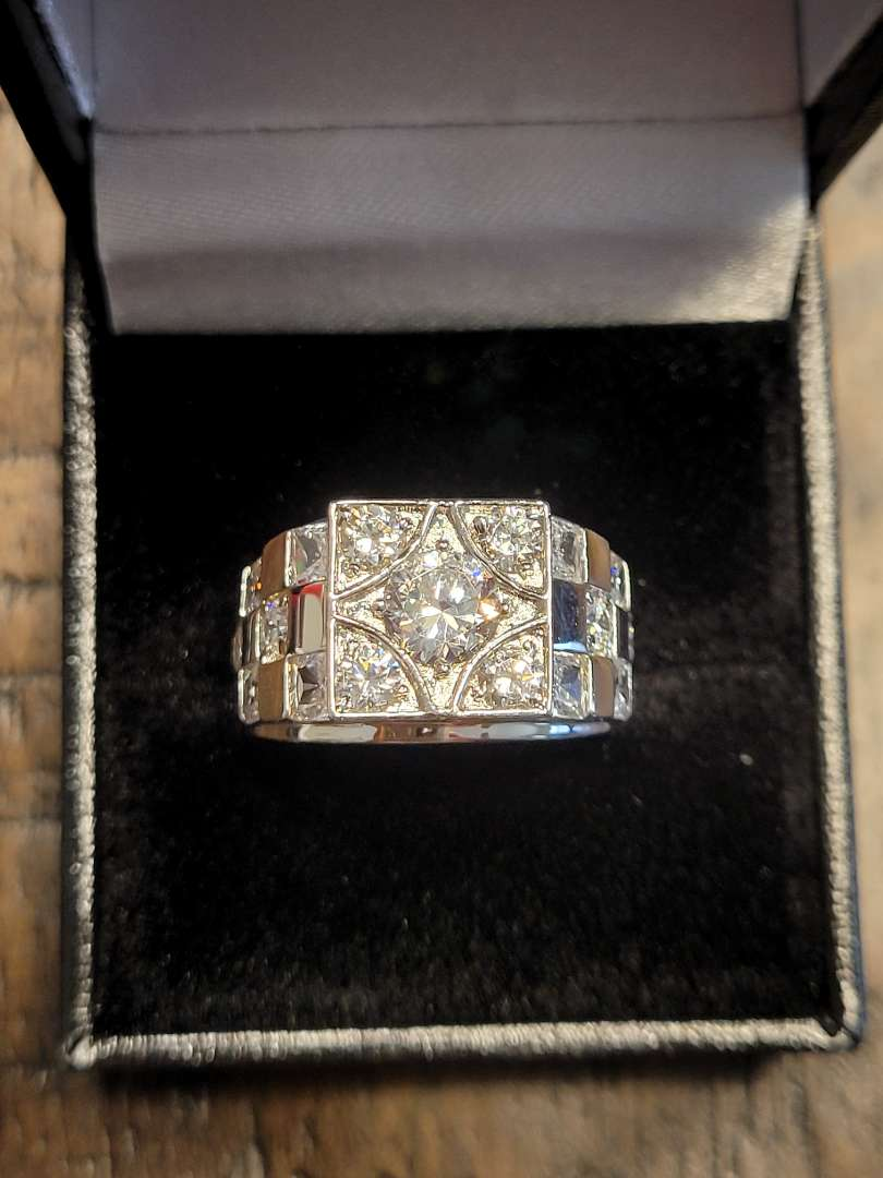 Lot # 97 Quality 1.50ct White Topaz Designer Ring - Sterling Silver Sz7 -NBW