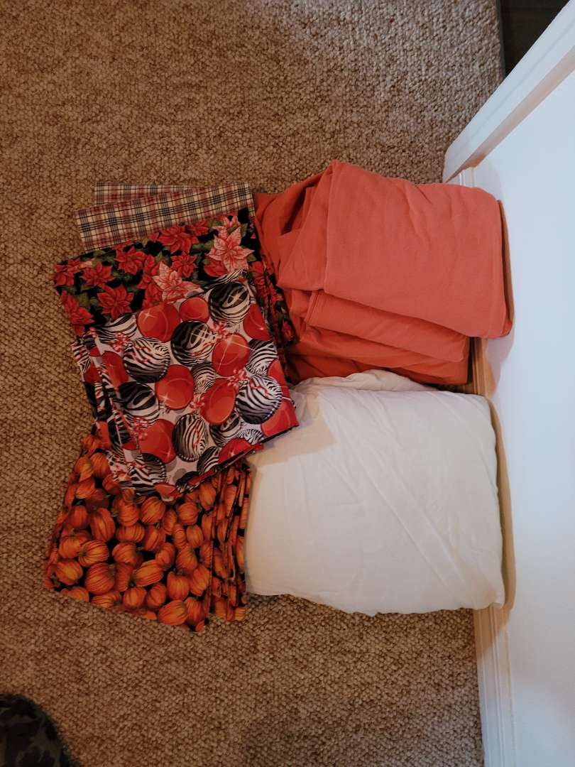 Lot # 104 (2) King Size Fitted Sheets w/ Pillowcases
