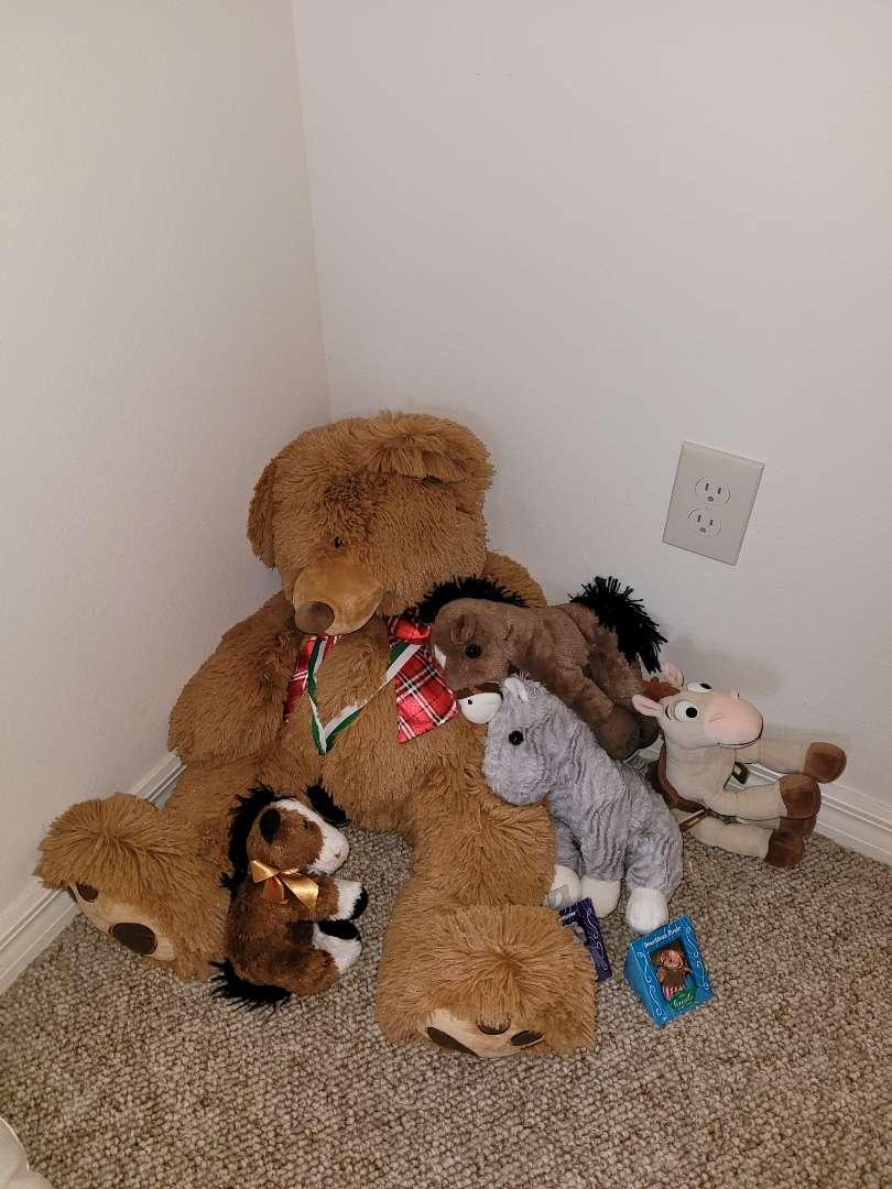 Lot # 129 Stuffed Animals
