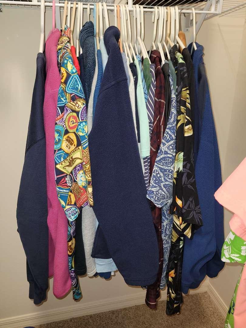 Lot # 148 (20) Plus Size Ladies Shirts - Size 2x-4x