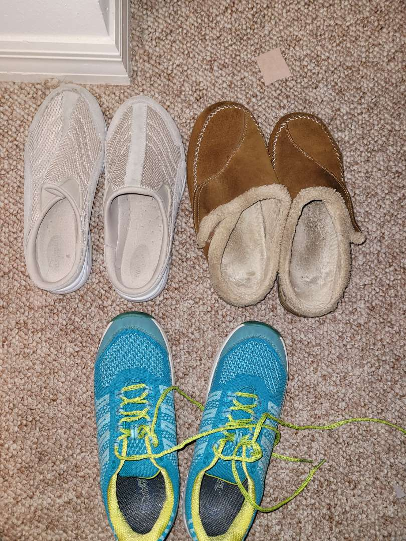 Lot # 158 (3) Pairs of Womans slides/sneakers - Size 9