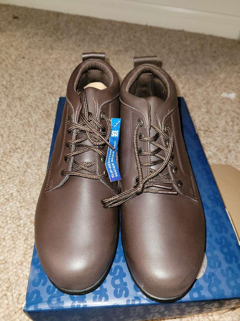 Lot # 163 Woman's SAS Shoes - Size 9 - NIB
