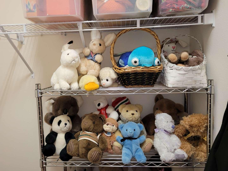 Lot # 173 Assorted Stuffed Animals