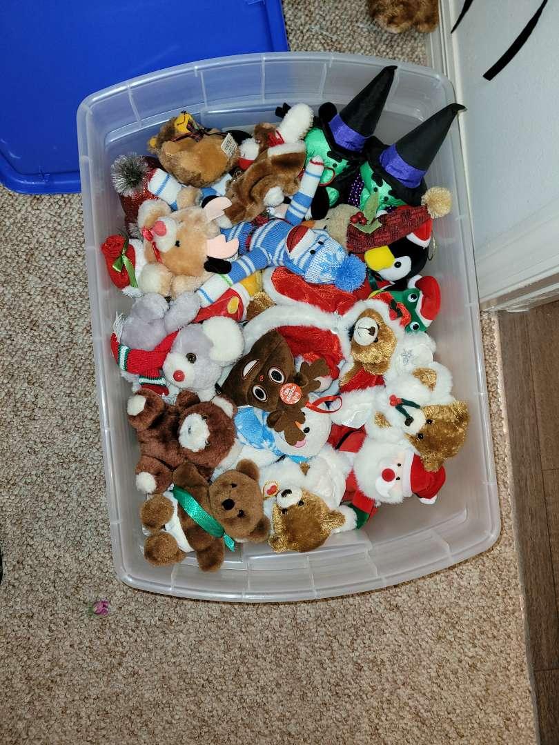 Lot # 174 Assorted Stuffed Animals