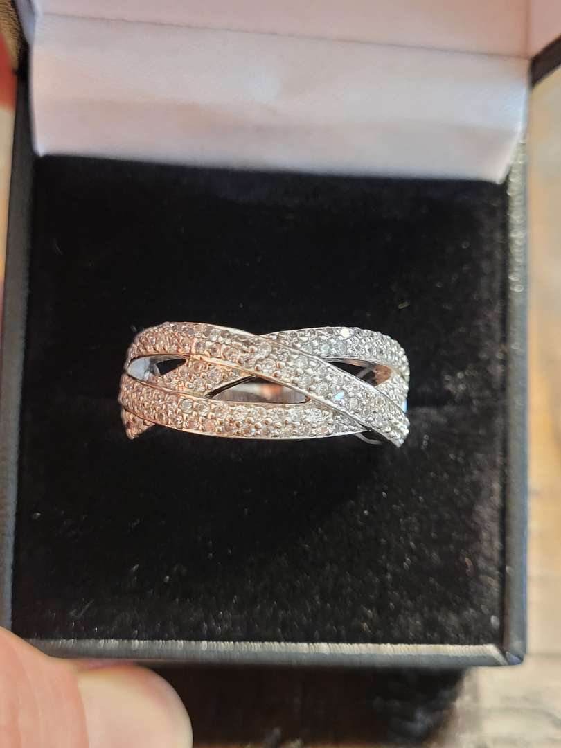Lot # 197 Beautiful White Topaz Quality Ring- Sterling Silver Sz7 - NBW