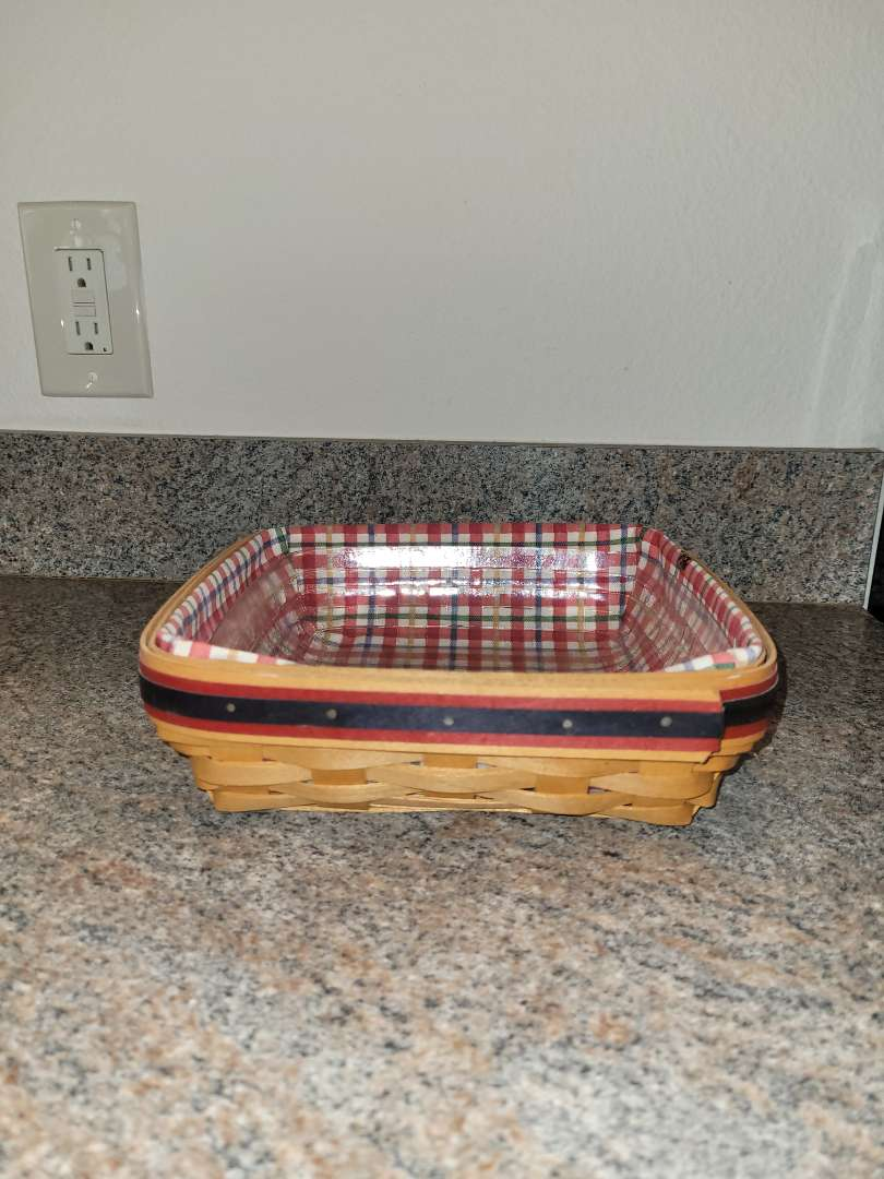 Lot # 237 Longaberger Basket w/ Liner & Plastic Insert
