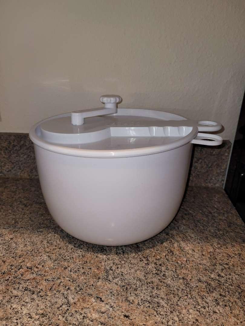 Lot # 243 Salad Spinner Bowl