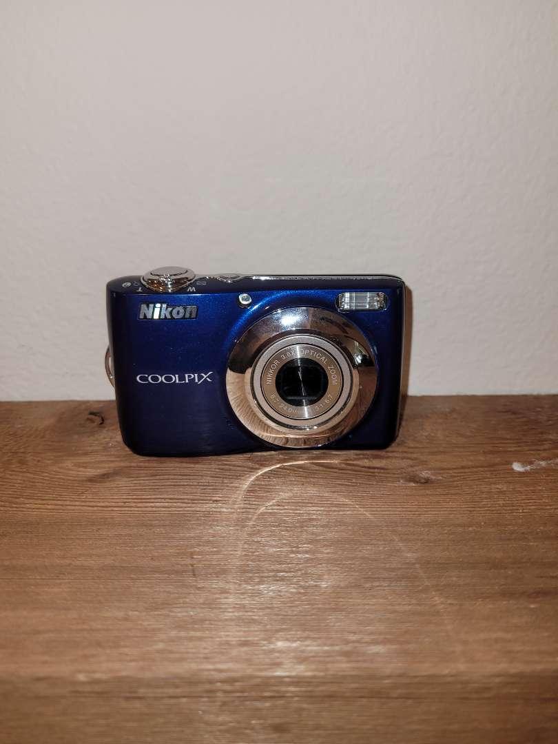 Lot # 262 Nikon Coolpix L22 Battery Operated Camera