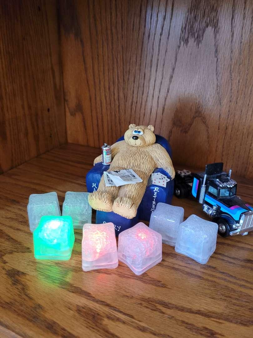 Lot # 277 Lighted Cubes, Retirement Bear & Semi