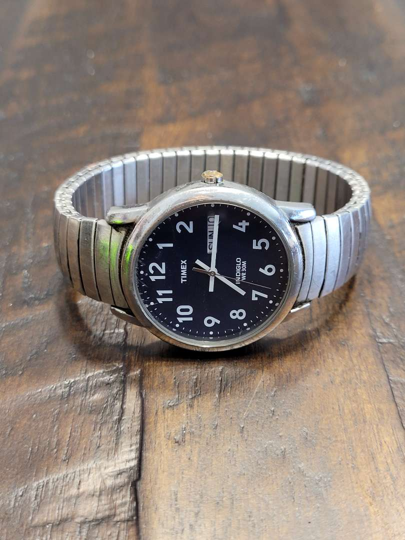 Lot # 285 Mens Timex Indiglo Watch