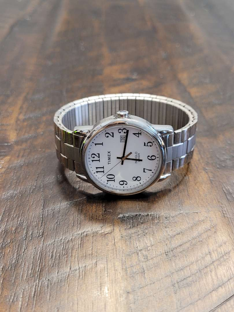 Lot # 286 Mens Timex Indiglo Watch